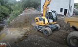 利勃海尔A914轮式挖掘机工作