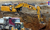 卡特352F挖掘机装车