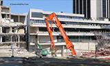 日立ZAXIS 500 长臂挖掘机与卡特349E长臂挖掘机拆楼