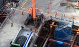 日立ZAXIS 225伸缩臂挖掘机工作