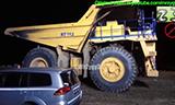 小松PC3000矿用正铲挖掘机装载D375A自卸车