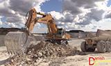 利勃海尔R974C挖掘机装车