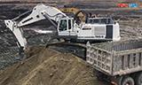 利勃海尔R 984挖掘机装车
