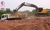 沃尔沃EC210B 挖掘机工作