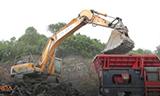 挖掘机碎石场工作
