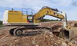 卡特彼勒374F挖掘机在装载沃尔沃A30G自卸车