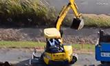 小松PC40MR-3挖掘机在装车