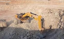 卡特彼勒 336D2 挖掘机在采石场工作