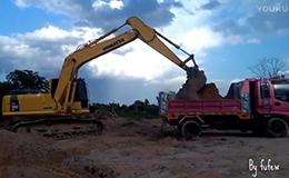 小松PC160-8挖掘机装载自卸车