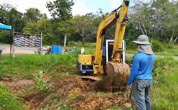 小松PC60挖掘机施工作业