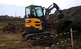 沃尔沃ECR 25 D迷你挖掘机