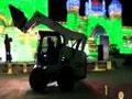 山猫S770滑移装载机视频
