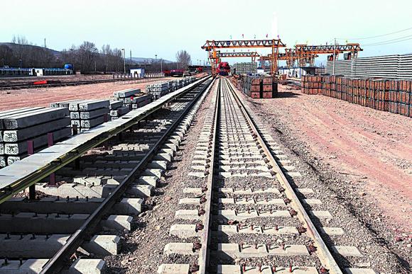 成都打造国家级区域铁路枢纽 规划建7条出川铁路