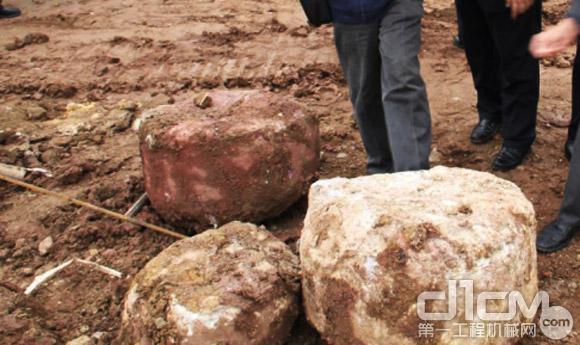 雷沃旋挖钻打出的岩芯