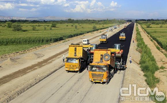 国务院放大招:上马百项铁路公路机场重大工程项目