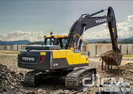 沃尔沃EC210D挖掘机