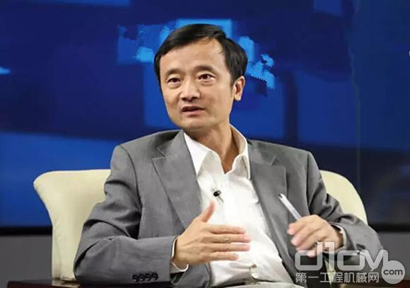 国家统计局经济景气监测中心副主任潘建成