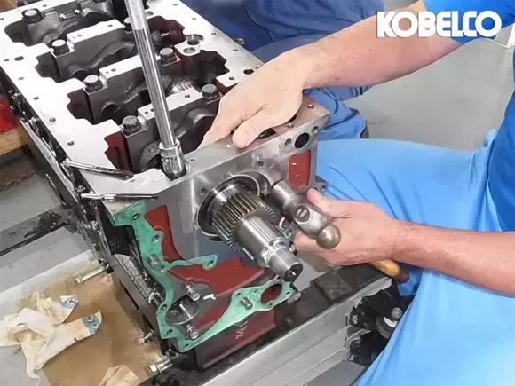 发动机维修检查