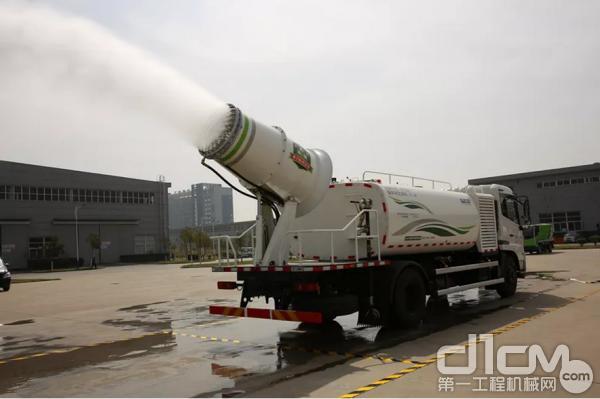 雾炮车能将空气中的PM10浓度降低15%左右