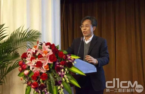 营销公司主任工程师 王宇清 :《金泰SX系列双轮铣产品技术介绍》专题演讲