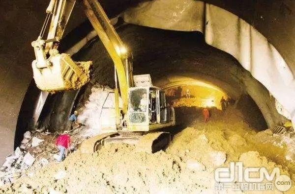 城市下穿隧道施工