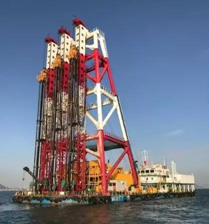 山推建友两艘搅拌船参建了中交承建的港珠澳大桥