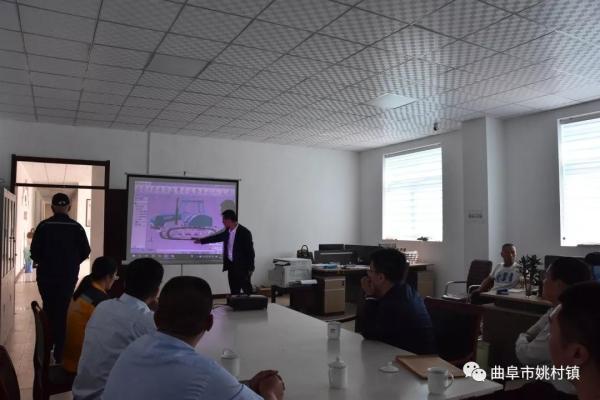 福田雷沃重工集团总经理助理王作成在天一世达农机装备有限企业参观考察