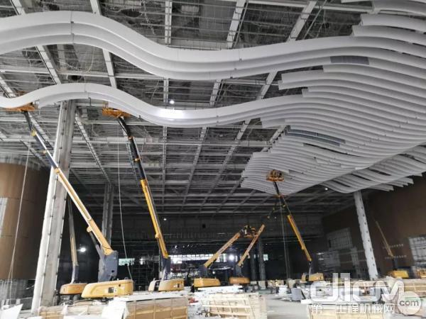 徐工设备助力深圳国际会展中心建设