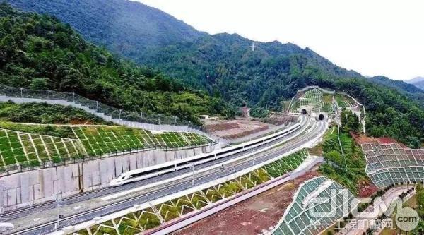 徐工高空作业平台助力云贵高铁建设