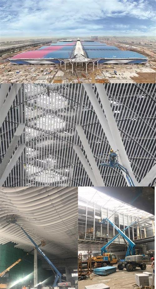 国际会展中心屋面采用彩色丝带造型