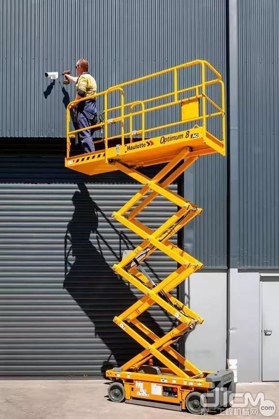 窄型剪叉式高空作业平台