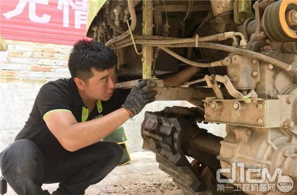 中联重科免费为农户维修农机