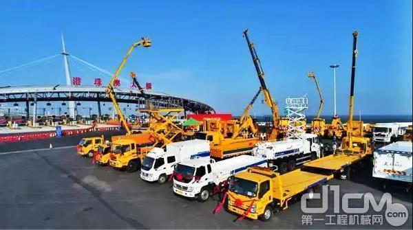 徐工成套化主体工程拯救及养护设备在港珠澳大桥