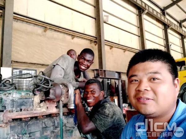 长沙佳沃售后服务经理杨敏与尼日利亚同事