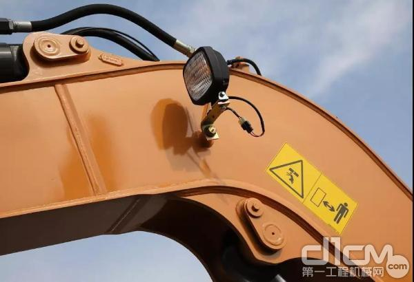高强度结构件与加强型筋板