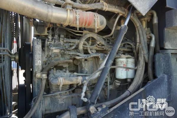 油水分离器更靠近后部