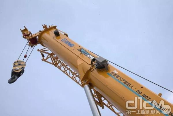 五节43m U型主臂,最大起升高度:51.1米