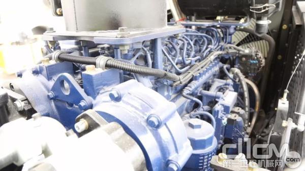 三一SSRAC-8H压路机配备新款147kW潍柴发动机