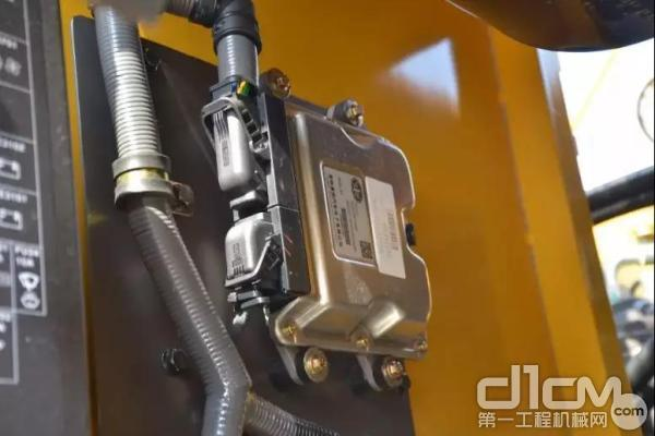 山东临工E6210F挖掘机电控系统技术