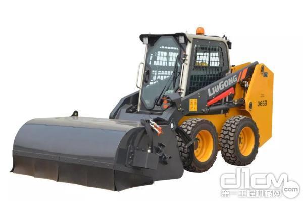 柳工CLG365B滑移装载机