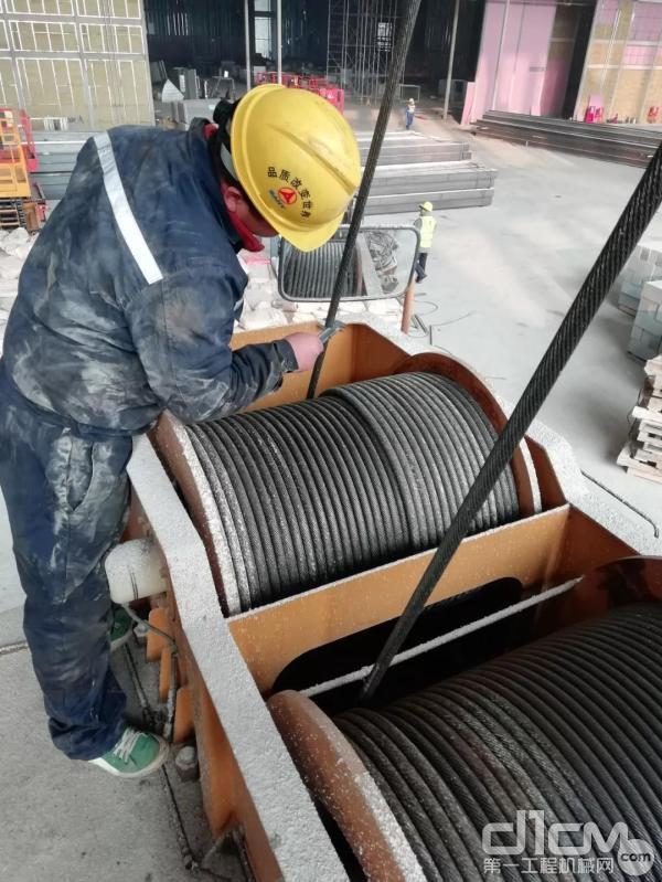 如果新的钢丝绳是通过旧的钢丝绳进入系统的
