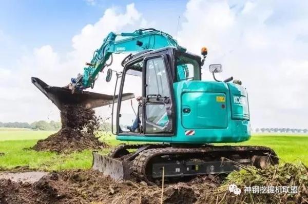 神钢挖掘机