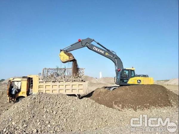 E240 LC施工现场照片