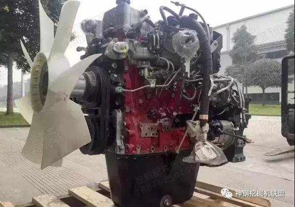 挖掘机发动机