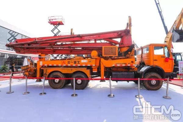 中国第一台泵车
