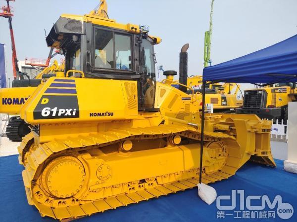 小松D61PXi-23智能推土机