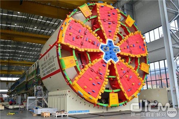 铁建重工国产首台常压换刀超大直径泥水平衡盾构机