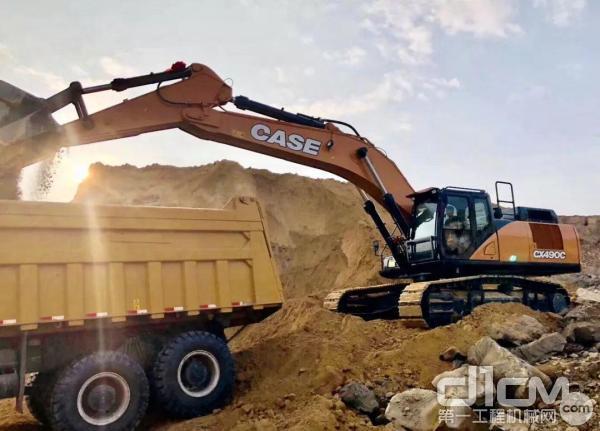 凯斯C系矿山挖掘机