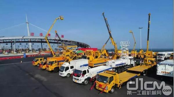 服务于港珠澳大桥的徐工成套化装备