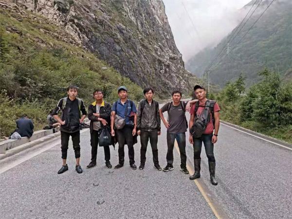 所有参与此次矿山服务和徒步历险记的工作人员:张杰、杨树涛、林博宇、李万富、赵林、唐小龙